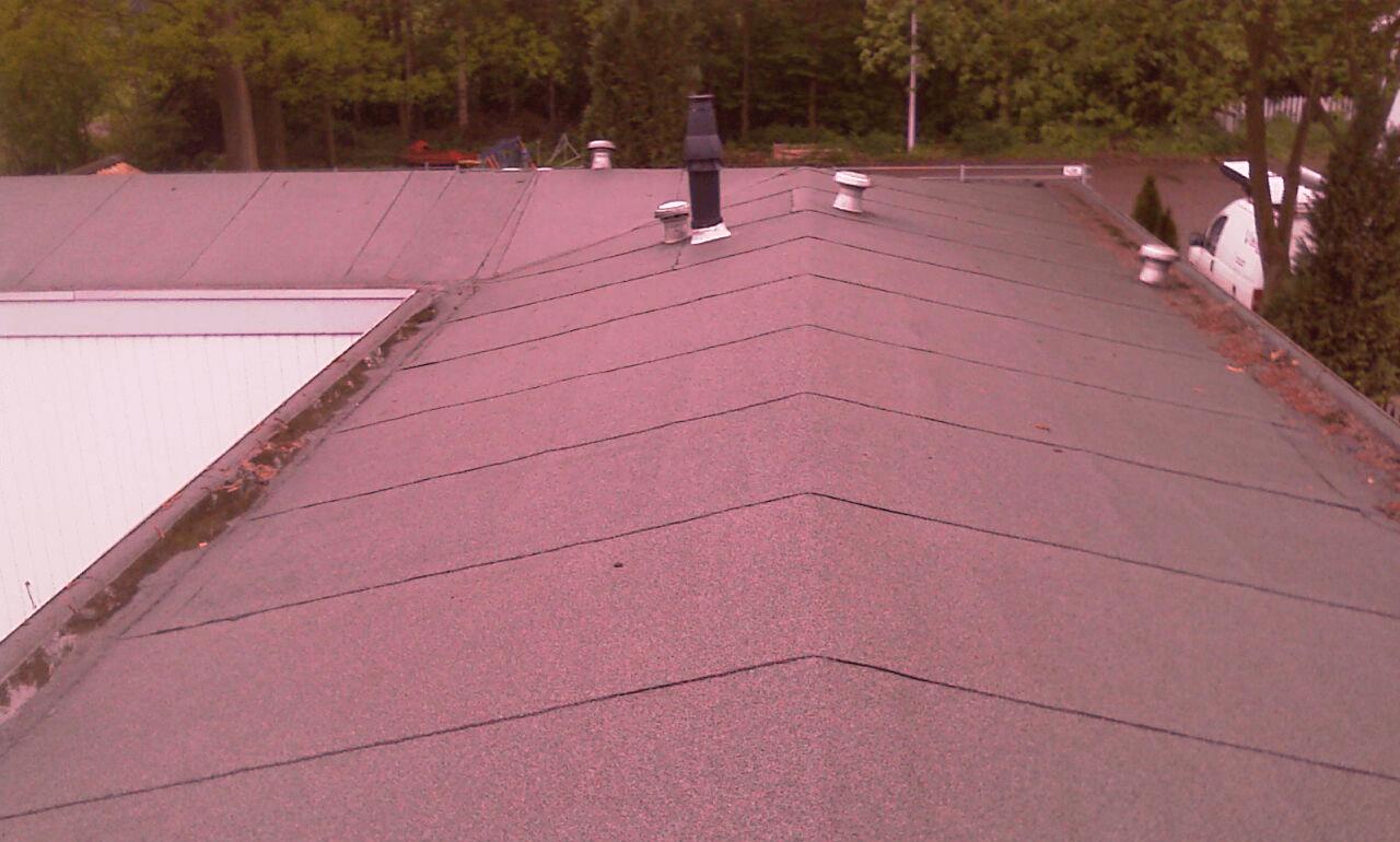 Oude bitumen dakbedekking